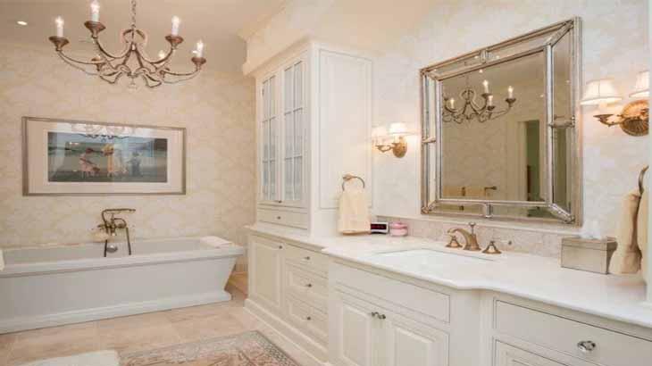 Освещение ванной в классическом стиле