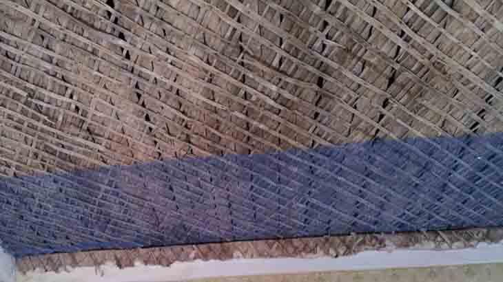 Армированная сетка на деревянном потолке