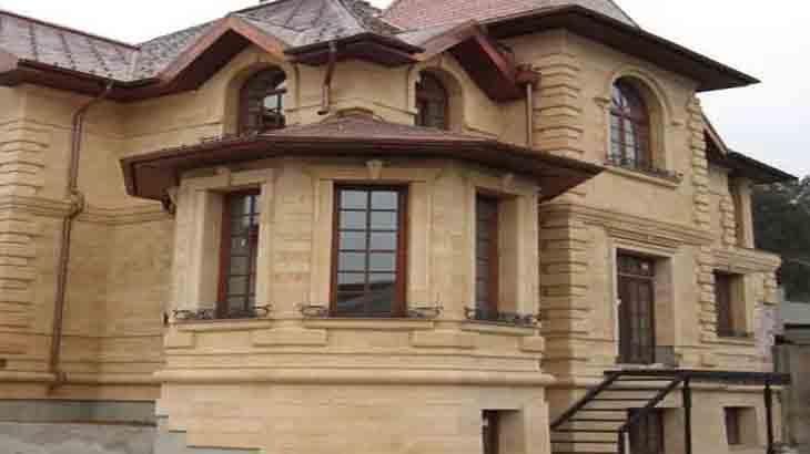 Отделка дома дагестанским камнем