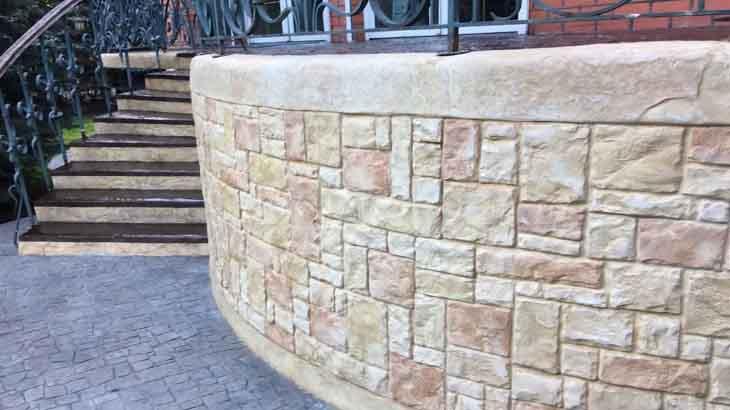 Отделка двора декоративным бетоном
