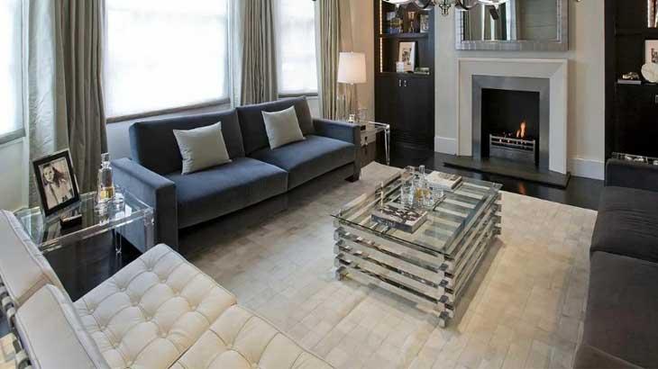 Тёмно-синий диван в квартире