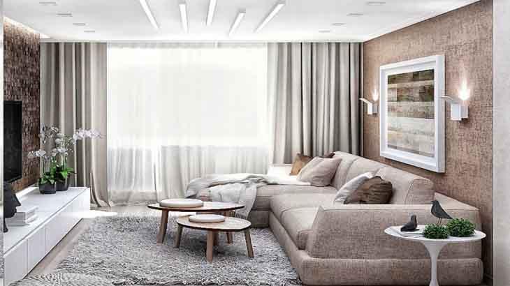 Интерьер гостиной с окрашенной стеной