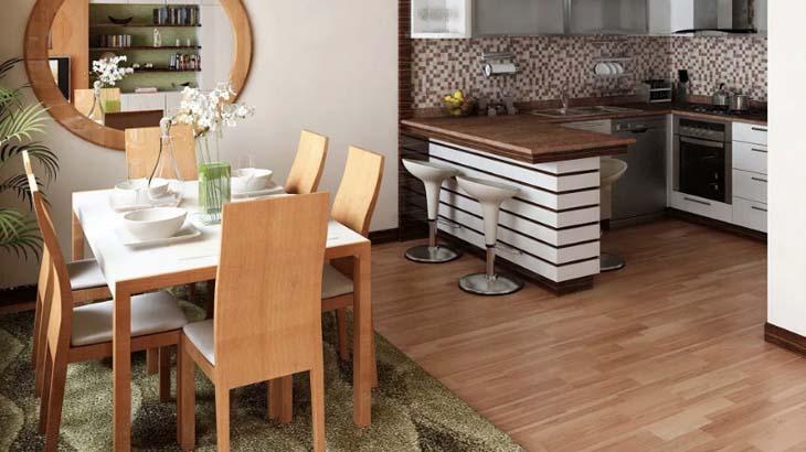 Маленькая кухня с барной стойкой и столовой зоной