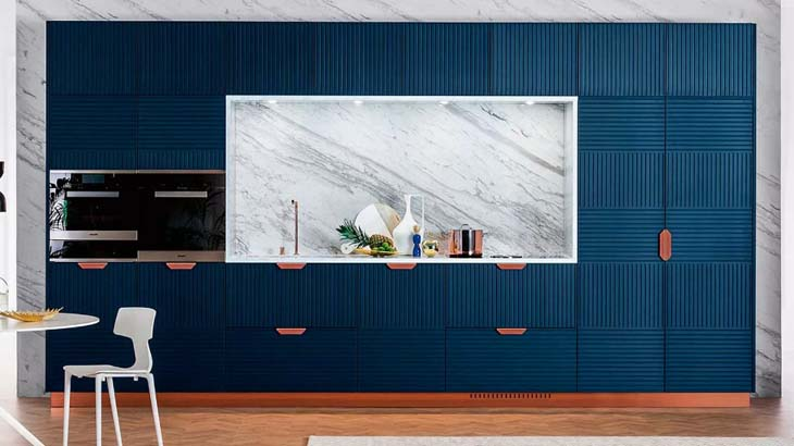 Стильная синяя кухня