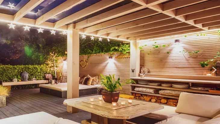 Крыша из дерева на террасе