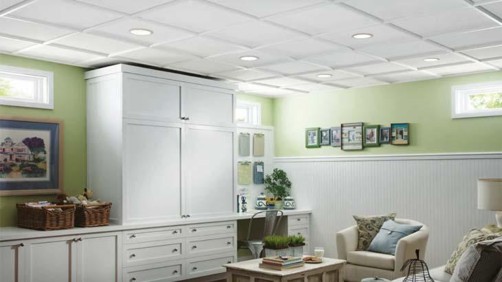 Простой подвесной потолок на кухне